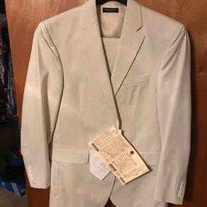 Jos A banks ivory suit with vest!